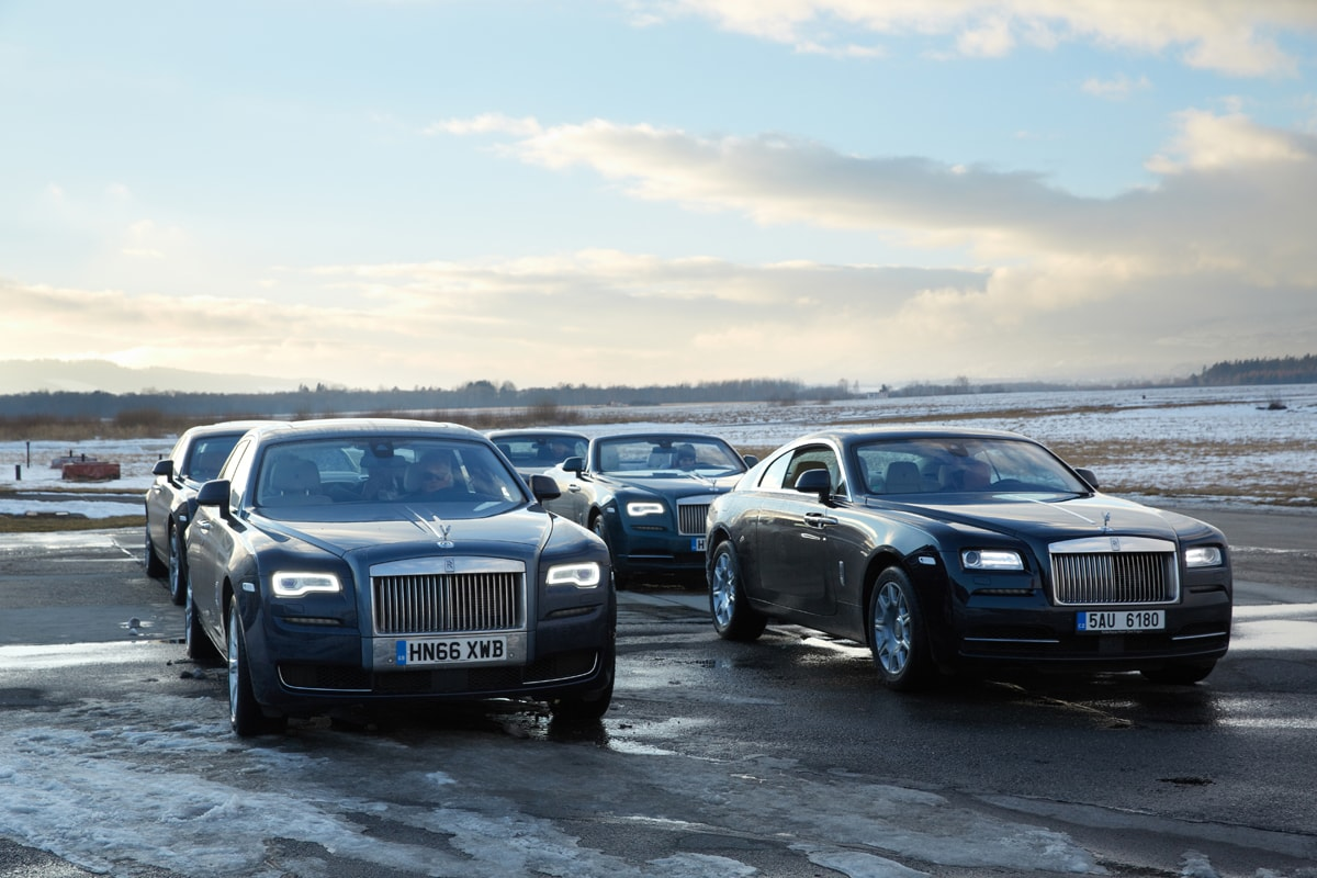Winter Driving Experience Vysoké Tatry ROLLSROYCE MOTOR - Rolls royce financial services